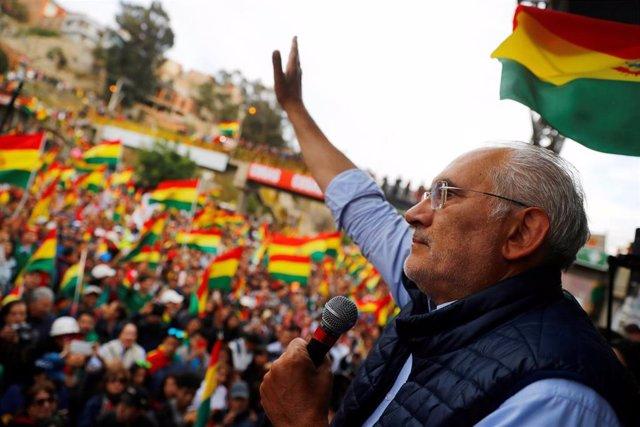 El candidato opositor Carlos Mesa