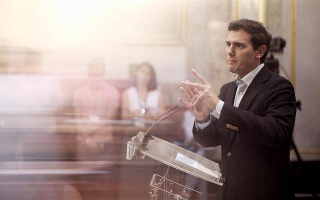 El president de Ciutadans, Albert Rivera, ofereix una roda de premsa després de la primera sessió de control al Govern al Congrés després de conèixer-se el fracàs d'una propera investidura, a Madrid (Espanya), a 18 de setembre del 2019.
