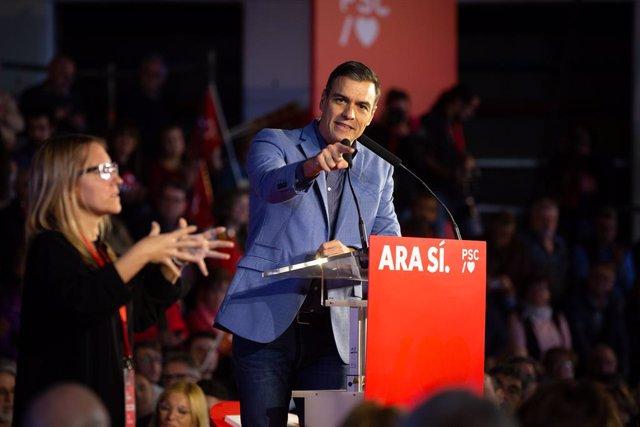 El president del Govern en funcions i candidat a la presidència pel PSOE, Pedro Sánchez, durant l'acte de tancament de campanya a Barcelona (Espanya), a 8 de novembre del 2019.