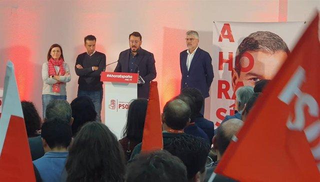 El secretario provincial del PSoE de Badajoz, Rafael Lemus, en la noche electoral