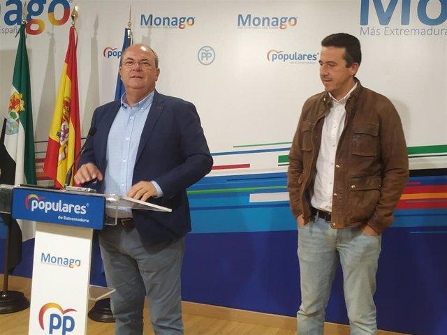 Monago, junto a Víctor Píriz