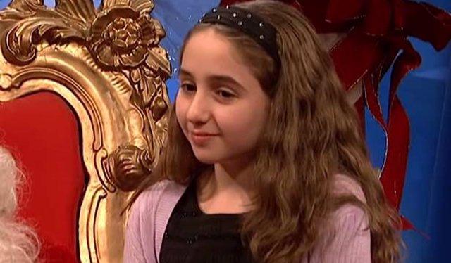 La joven actriz Lauren Griggs en el programa SNL
