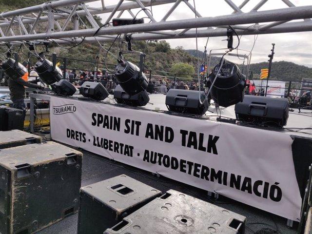 Escenari de Tsunami Democrtic a la Jonquera (Girona) en protesta per la sentncia de l'1-O