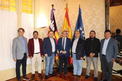 El presidente del Parlament recibe en audiencia una comitiva de Guatemala