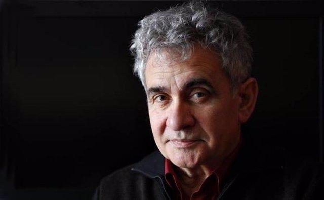 """Atxaga, Premio Nacional de las Letras, sobre Vox: """"Es positivo saber dónde está el fascismo"""""""