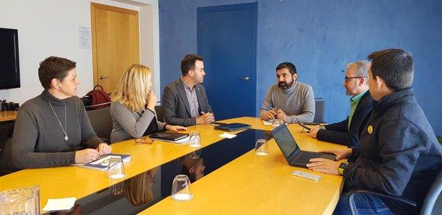 Reunió entre el president de l'ACM, Lluís Soler, i el conseller de Treball, Assumptes Socials i Famílies, Chakir El Homrani.