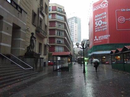 Nubosidad abundante, lluvias y temperaturas máximas de 13 grados este martes en Euskadi