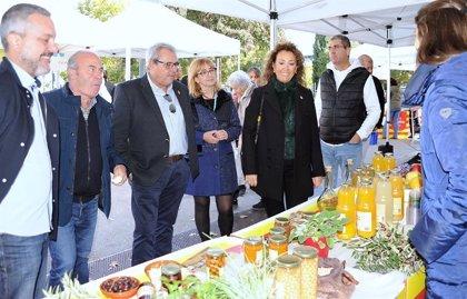 Más de 1.000 personas asisten a la feria de productos de proximidad de Caprabo en Lleida