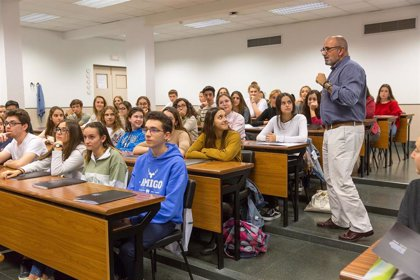 Más de 170 alumnos de Bachillerato de toda España participan en el Club de la Ciencia de la Universidad de Navarra