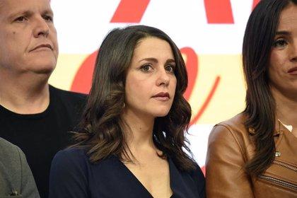 Consenso mayoritario en la dirección de Ciudadanos en que Arrimadas sería la mejor opción para suceder a Rivera