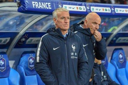 """Deschamps: """"Zidane hace totalmente su papel al hablar así de Benzema"""""""