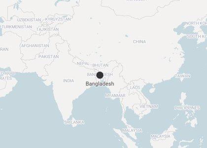 Al menos 16 muertos y más de 100 heridos por el choque de dos trenes en Bangladesh