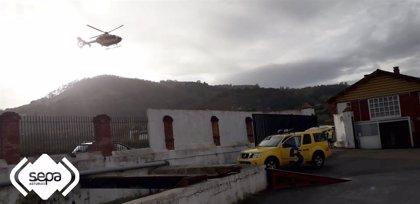 Herido grave un trabajador tras resultar atrapado por una máquina en la fábrica de sidra El Gaitero