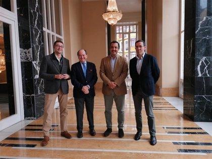 Ópera de Oviedo y Asociación de Comercio colaboran para difundir la cultura y reactivar la actividad comercial