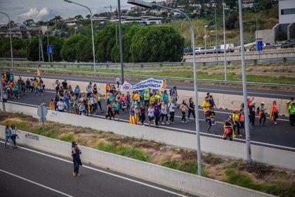 Un millar de camiones procedentes de Madrid están bloqueados en Cataluña, según CETM