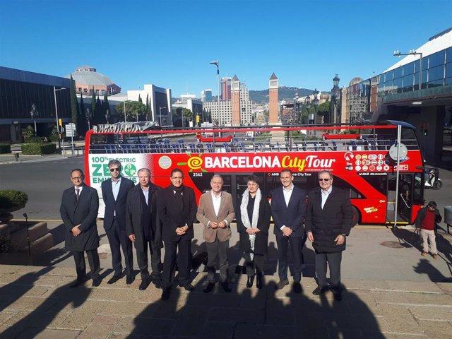 Presentación del bus turístico eléctrico en Barcelona