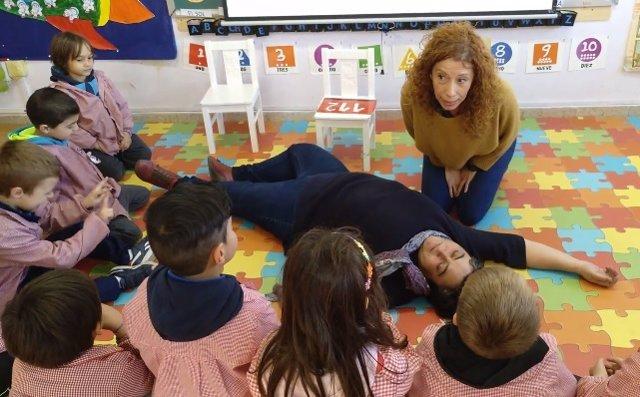 RCP desde mi cole: El programa de primeros auxilios con el que los niños más pequeños aprenden cómo reaccionar ante una emergencia