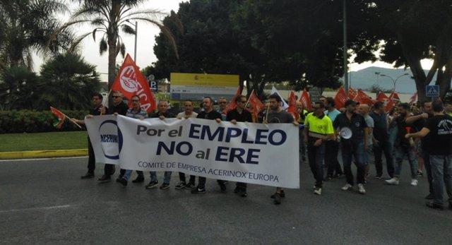 Trabajadores de Acerinox manifestándose en Los Barrios
