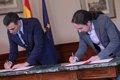 El preacuerdo entre PSOE y Podemos se compromete a fomentar el diálogo en Cataluña dentro de la Constitución