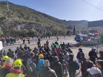 """Froet exige al Gobierno central que abandone su actitud """"irresponsable"""" y que restablezca el tráfico fronterizo"""