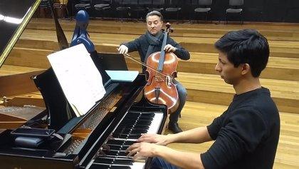 El violonchelista Mariano García y el pianista Jorge Nava interpretan en el Almudín obras de Schumann y Brahms