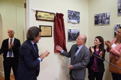 Trino Garriga da nombre a una de las salas del Parlamento de Canarias