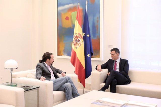 (E-D) El secretari general de Podem, Pablo Iglesias i el president del Govern espanyol en funcions, Pedro Sánchez, en una reunió a La Moncloa el 16 d'octubre del 2019.