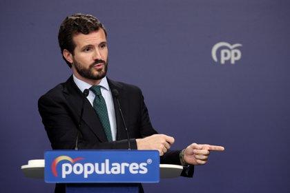 """Casado: Sánchez cierra la puerta a """"cualquier colaboración"""" con el PP tras su pacto con Podemos"""