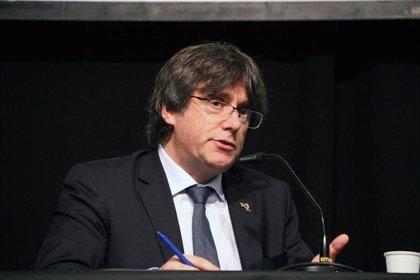 """Puigdemont niega que un mosso le hiciera de escolta: """"Tienen un problema con la realidad"""""""