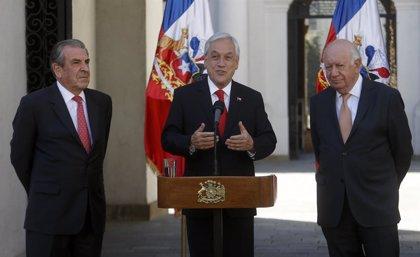 Chile.- Piñera habla con los ex presidentes chilenos ante la continuación de las protestas en el país