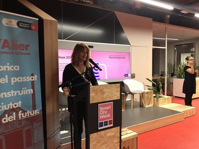 La tinent d'alcalde Laia Bonet en la inauguració de l'Smart City Week