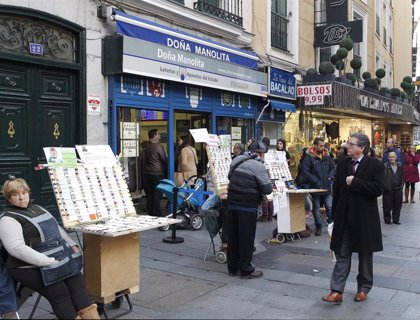 El Ayuntamiento multa a las loteras que instalen caballetes ambulantes en Sol en aplicación de la ordenanza