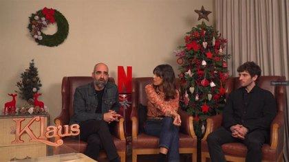 """Luis Tosar, Belén Cuesta y Quim Gutiérrez ponen voz a los personajes de Klaus: """"Netflix tiene su estrategia y funciona"""""""