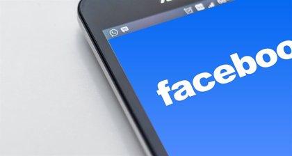 Portaltic.-Un fallo de seguridad en la app de Facebook activa la cámara de iPhone mientras el usuario navega por su 'feed'