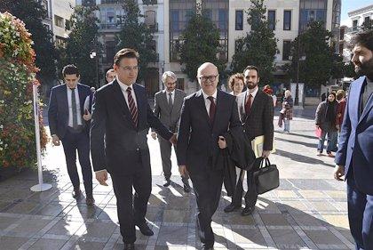 El alcalde de Granada recibe al embajador de Turquía en España para estrechar lazos entre los dos países