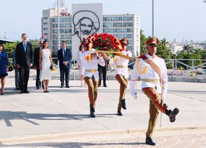 España/Cuba.- Ofrenda de los Reyes a José Martí en la Plaza de la Revolución de La Habana