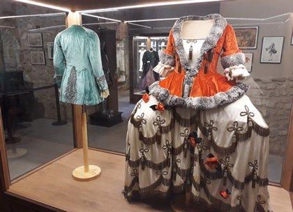 Una exposición de trajes de la soprano Elvira de Hidalgo se suma a la Semana Modernista de Teruel