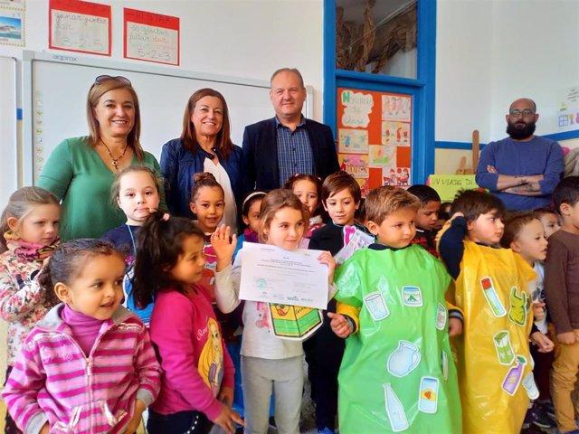 Premiados con el galadón Recapacicla en la Ecoescuela de Guazamara de Almería