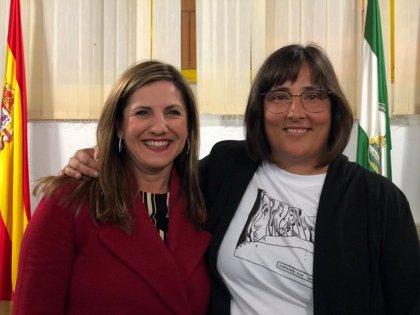 Irene García asiste a la toma de posesión de Manuela Leal como patrona mayor de la Cofradía de Pescadores de Conil