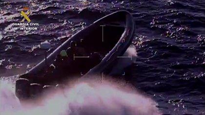 Incautados 4.000 kilos de hachís y 17 detenidos en tres operativos en Algeciras y Barbate (Cádiz)