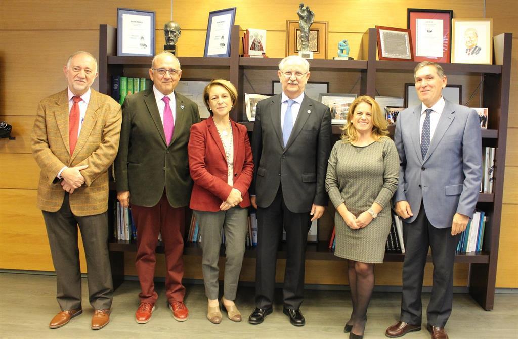 Los médicos firman un acuerdo con la Universidad CEU San Pablo para impulsar seminarios de profesionalismo médico - www.infosalus.com