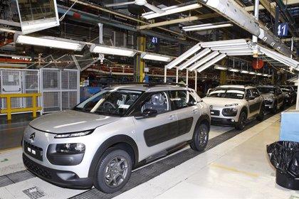 Alemania supera a Francia como primer destino de exportación de los coches 'españoles' hasta septiembre
