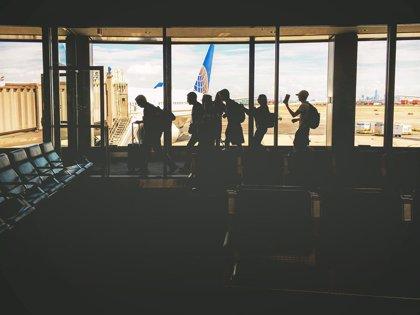La revisión de los smartphones de los viajeros en las fronteras de EEUU es inconstitucional si no existe sospecha real