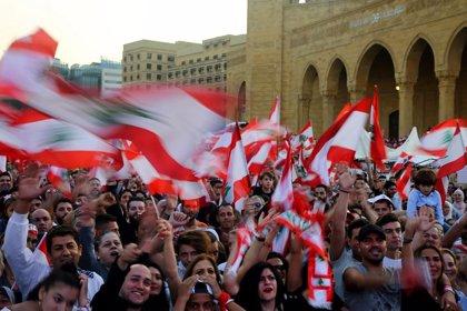 Líbano.- Los manifestantes en Líbano llaman a la desobediencia civil tras el primer muerto en las protestas