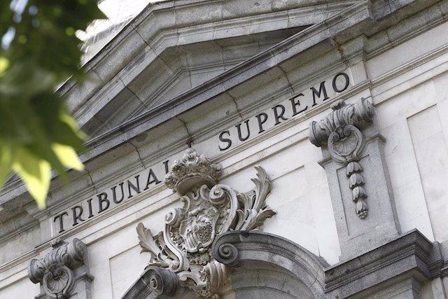 Façana de la seu del Tribunal Suprem.