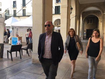 La defensa de Echávarri recurre ante el TSJCV la condena por prevaricación del 'caso Comercio' por falta de pruebas