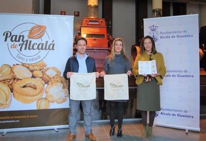 Alcalá (Sevilla) recupera las tradicionales talegas para llevar el pan y promocionar los productos de panadería