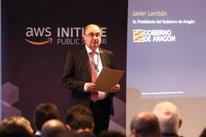 """Lambán cree que Aragón tiene """"muchas posibilidades"""" de recibir inversiones en automoción y movilidad"""