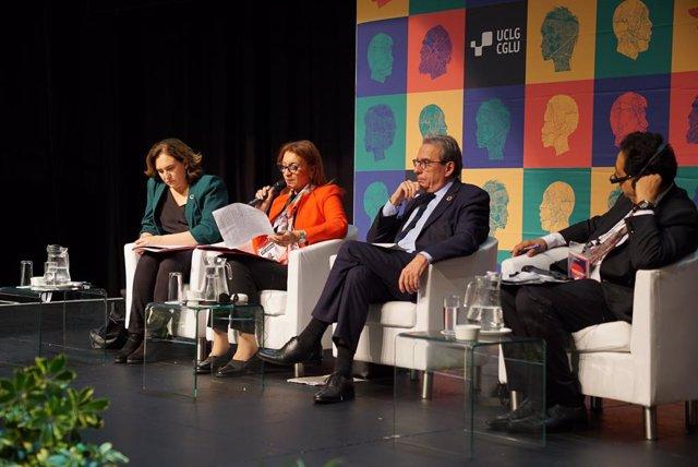 L'alcaldessa de Barcelona, Ada Colau, durant una de les sessions plenàries del congrés de Ciutats i Governs Locals Units (CGLU).