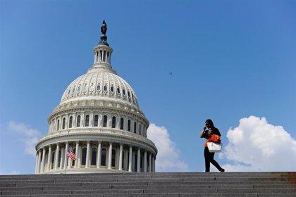 """El congresista Jeff Van Drew tilda de """"rumores"""" las palabras del embajador de EEUU en Kiev en el marco del 'impeachment'"""
